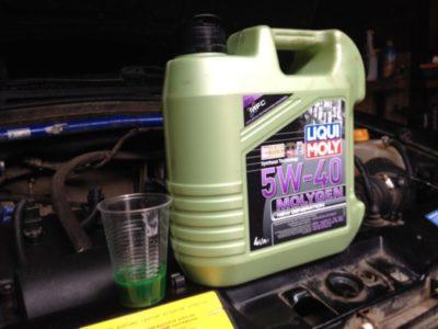 сколько масла в двигателе т 40