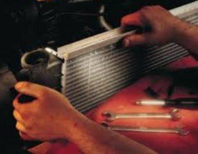 потек радиатор охлаждения что делать