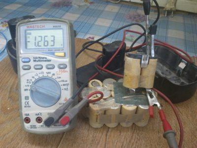 как проверить аккумулятор шуруповерта мультиметром