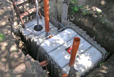 как почистить выгребную яму