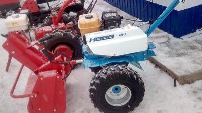 как чистить снег мотоблоком